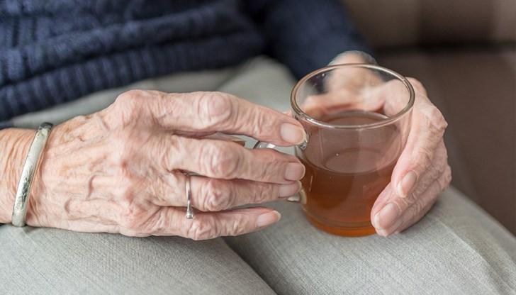 Мъдър житейски урок от баба към внучка