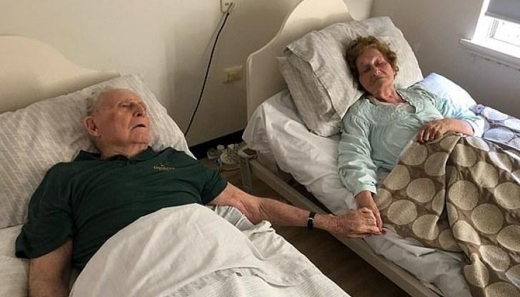 Съпрузи умират хванати за ръце след 70-годишна връзка
