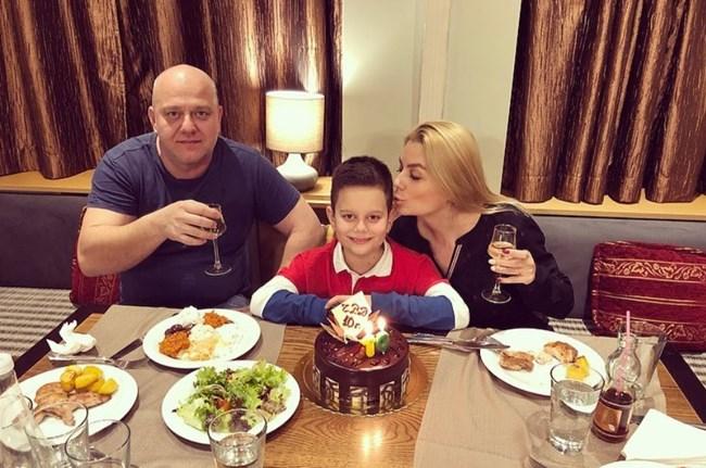 Венета Райкова и Тишо пак заедно на рождения ден на сина им Патрик (Снимки)