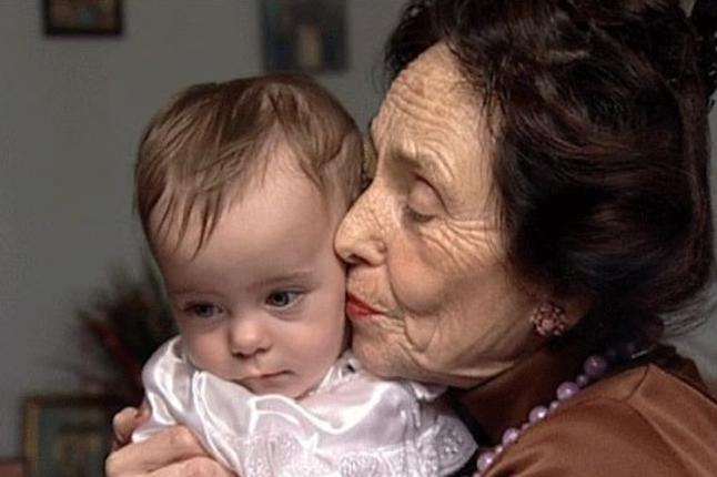 Помните ли първата жена, която роди на 67 години? Ето как изглеждат тя и момиченцето й днес: