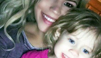 Тази самотна майка взриви интернет със своята снимка!
