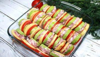2 тиквички, 2 домата, 2 картофа и малко кайма - нищо продукти, а правят велико ястие (ВИДЕО)