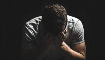 Отчаяние: Млад мъж опита да се запали заради безпаричие