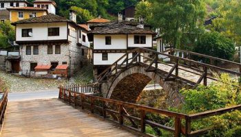 Широка лъка - приказното село в Родопите