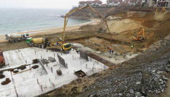 """Как бетонът превзема някои от най-привлекателните кътчета по Черноморието ни (СНИМКИ)"""""""
